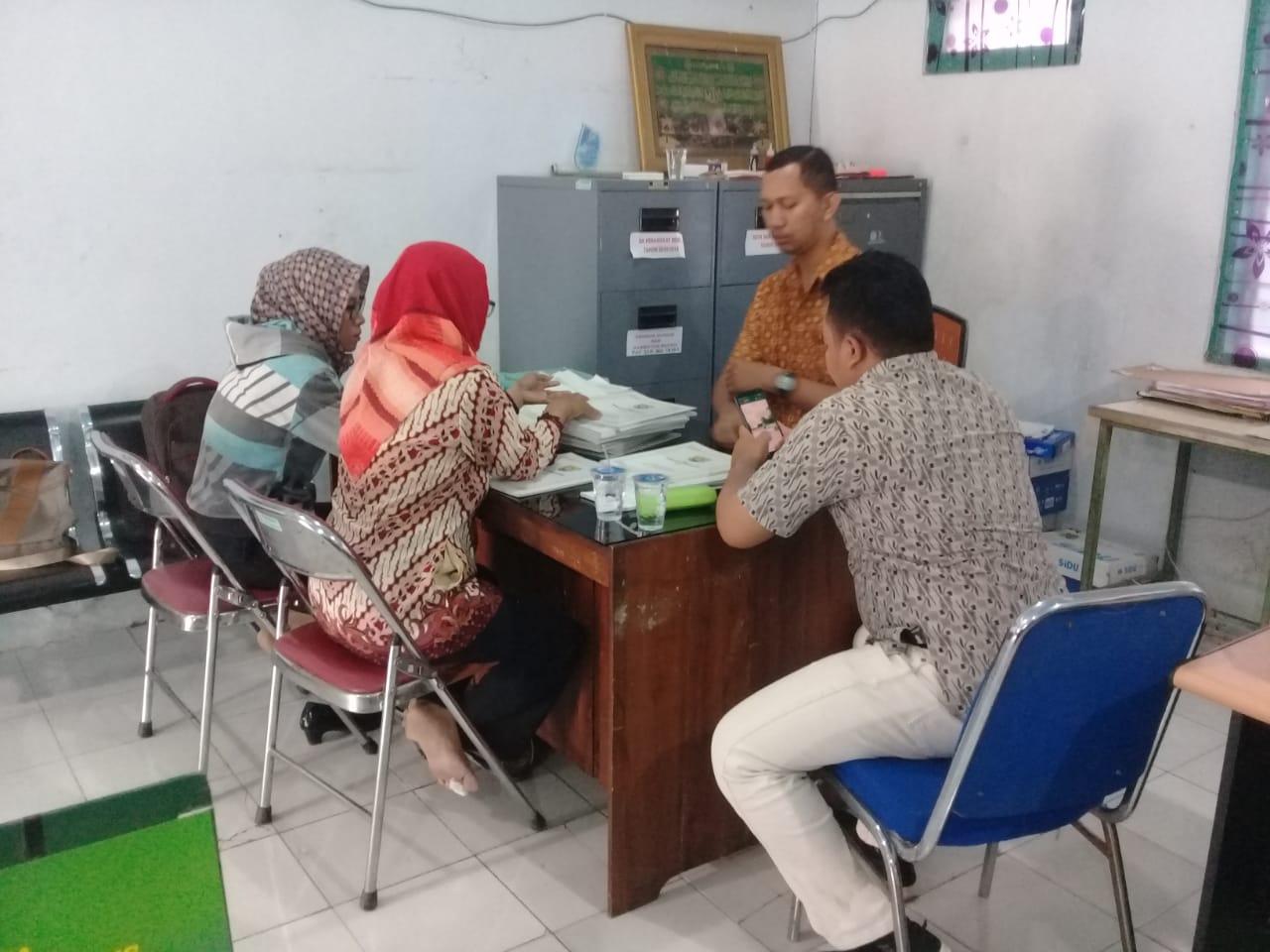 Monitoring dan Pembinaan Administrasi Desa Gemuhblanten Berjalan Lancar